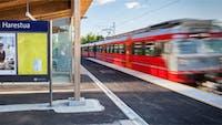 Pendlertoget på Harestua stasjon Gjøvikbanen tog nsb Sagparken Oppland